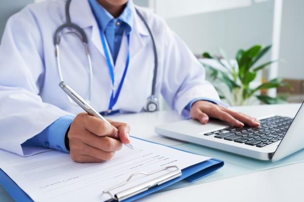 Курсы повышения квалификации включили в трудовой стаж врача