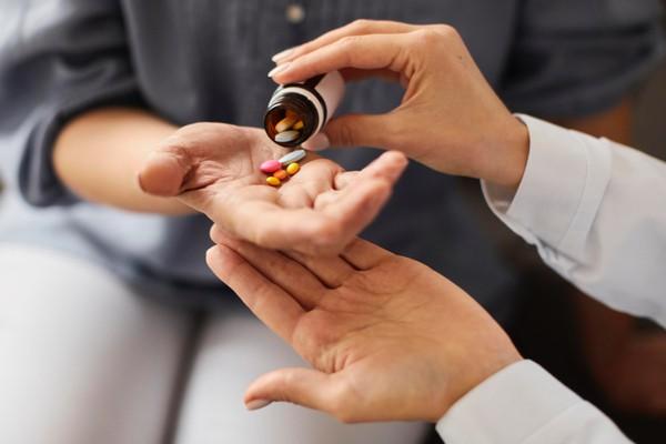 Минздрав позволил пациентам использовать свои и приобретенные фондами препараты в стационарах